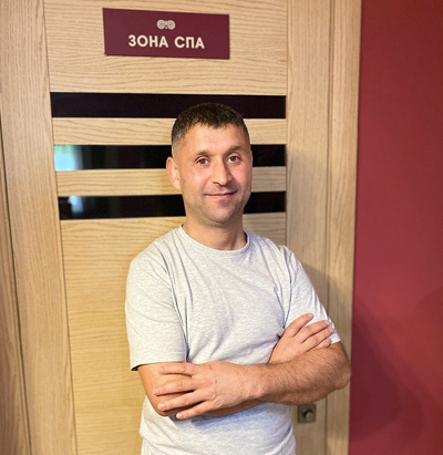 Массажист Сейфеддин Бакир